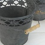 Lot de 2plantes Seau en zinc gris foncé rond avec anse et inscription Jolie Décoration vintage jardin or pour fleurs, plantes, herbes et plus de la marque MACOSA HOME image 1 produit