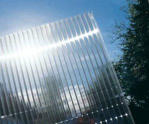 Plaque pour toiture, serre ou verrière - En polycarbonate - Toile de 4mm et 10mm d'épaisseur et 1050mm de largeur de la marque TR Tools image 0 produit