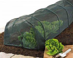 Tunnel solide recouvert d'un filet pour protéger légumes, fruits et lantes de jardin par Elitezotec © de la marque Elitezotec © image 0 produit